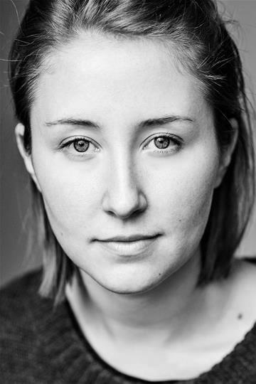 Erin Doherty headshot